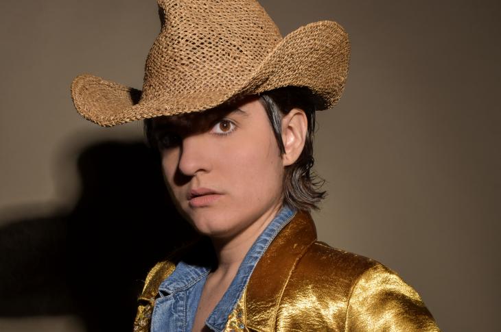 Gali Galó 3 cowboy hat